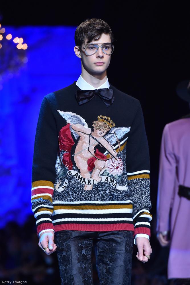 Kupidós pulóverben járnak a férfiak a Dolce & Gabbana páros szerint.