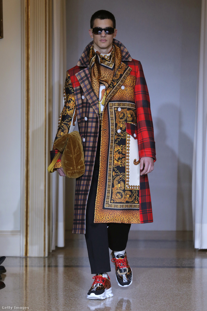 Ezt a kabátot már a Versace tervezte az őszre.