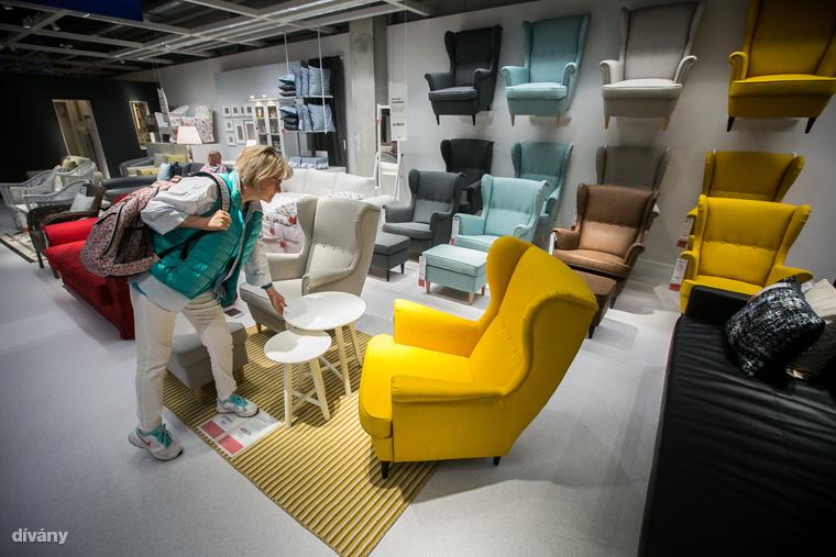 Ingvar Kamprad 1986-ig vezette közvetlenül a világ talán legismertebb bútorláncát, az igazgatóságból 2013-ban távozott és adta át helyét fiának