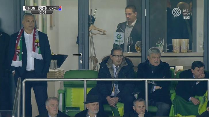 Orbán Viktor, Georges Leekens és Csányi Sándor MLSZ-elnök a Magyarország - Costa Rica barátságos labdarúgó-mérkőzésen a budapesti Groupama Arénában 2017. november 14-én.