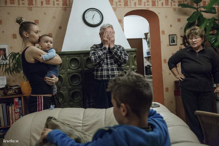 Mindennapi élet (sorozat), 1. díj: Otthon, édes otthon