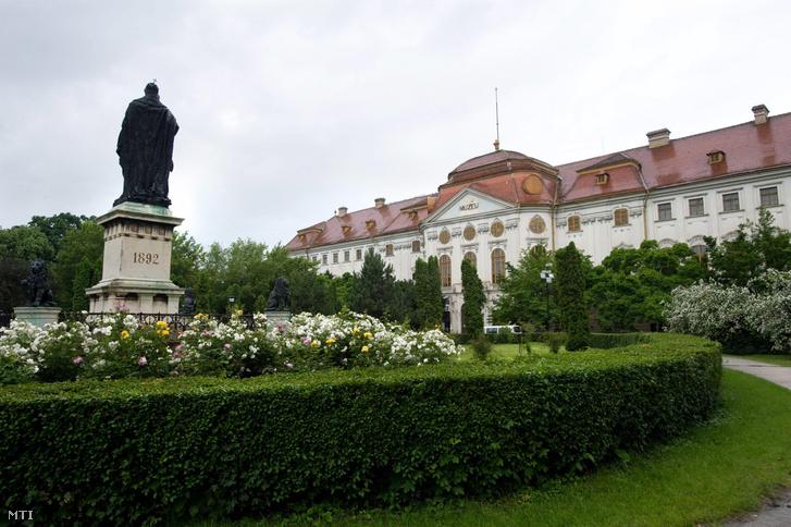 A nagyváradi római katolikus püspöki palota 2010-ben