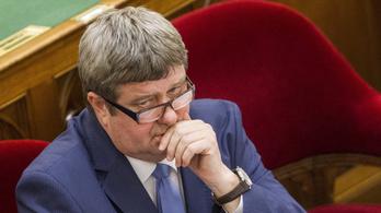 Magyar Idők: Elveszik Tállaitól az adóügyeket