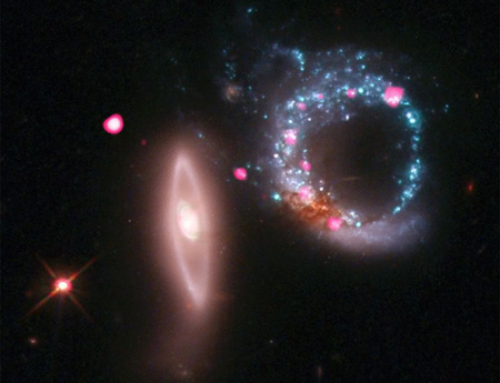Az Arp147 katalógusjelű két galaxis maradványai a NASA felvételén