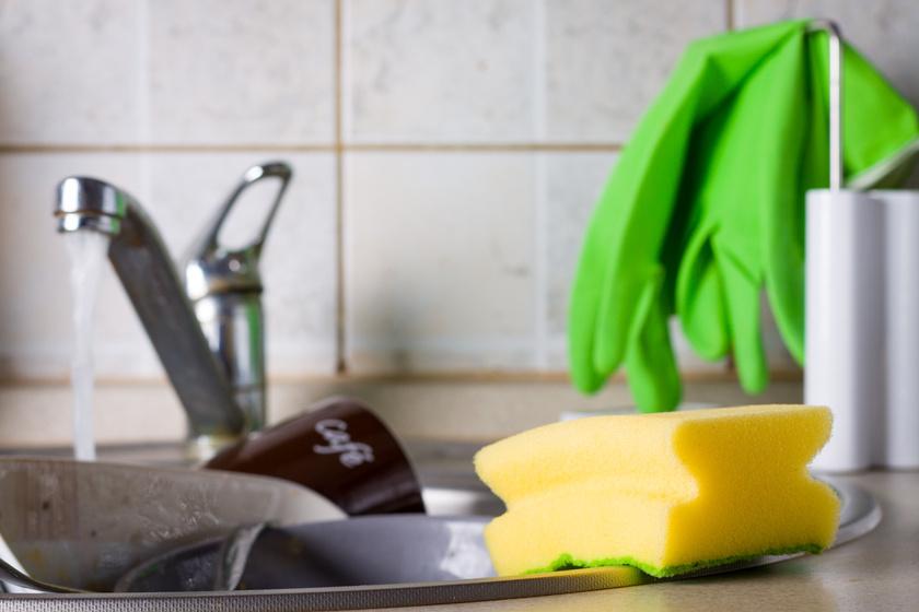 Milyen gyakran kell mosogatószivacsot cserélni? Akár meg is betegíthet a szakértők szerint