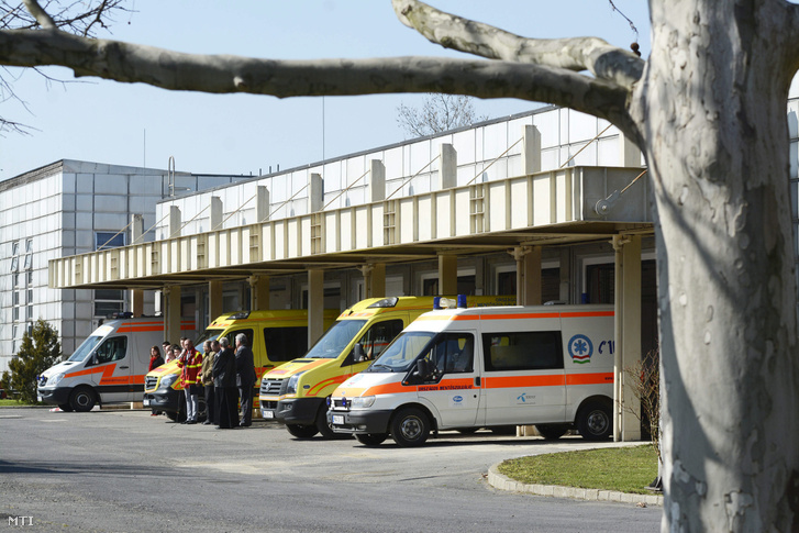 2015. március 17. A megyei jogú vidéki városok közül utolsóként Szolnokon is átadták az Országos Mentőszolgálat (OMSZ) új mentésirányítási rendszerének helyi központját. Az uniós forrásból megvalósult fejlesztés mellett a szolnoki mentőállomás épülete és eszközállománya is megújult.