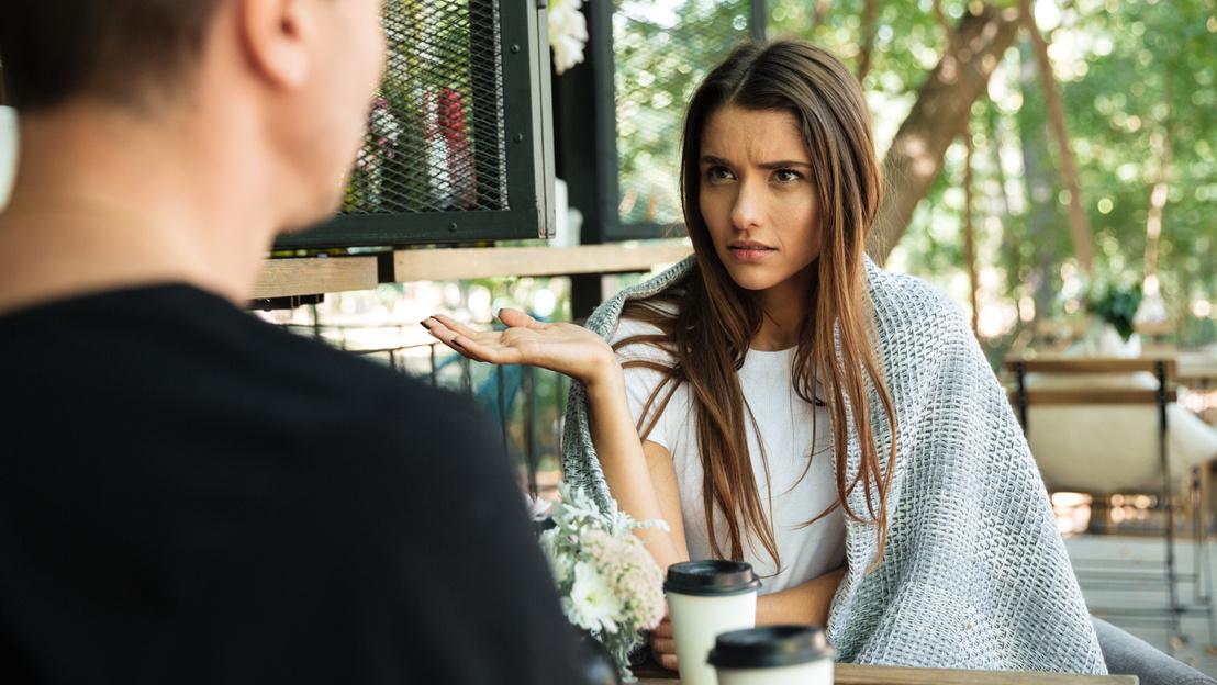 11 különbség a randi lány között randevú nagyon rövid ember