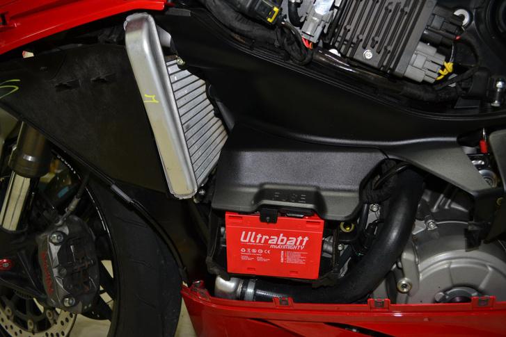 Ducati 899 Panigale esete a litihiumos akksival