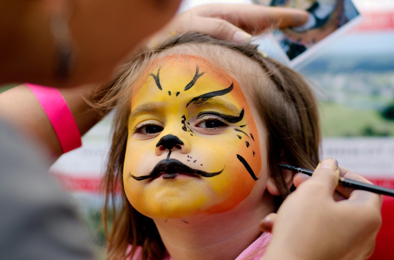 arcfestes-allat-oroszlan-gyerek-farsang