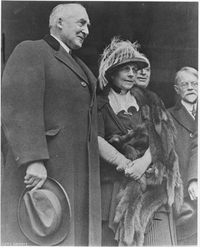 Florence Harding - férjével együtt - teljes mértékben ignorálta a szesztilalmat