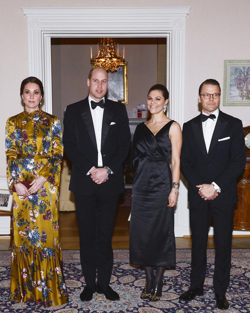 Viktória hercegnő egy egyszerű vonalú, fekete ruhát választott, de Katalin ki akart tűnni a tömegből ebben az Erdem-estélyiben.