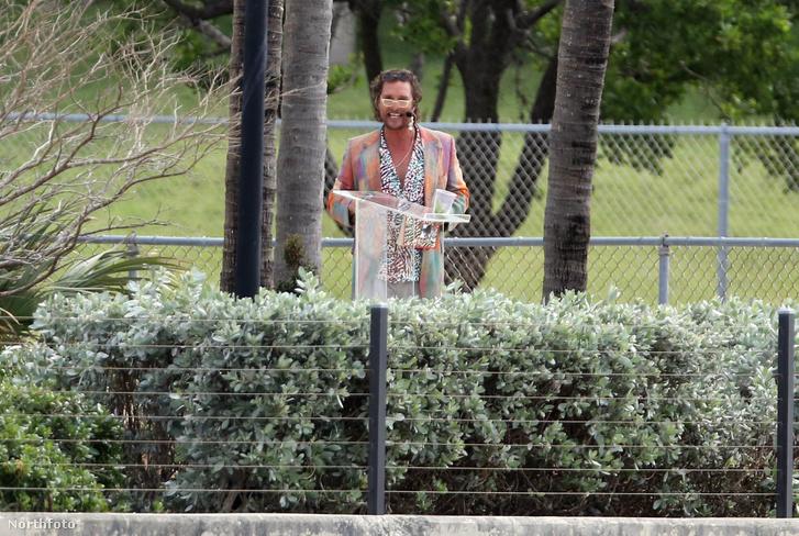 Matthew McConaughey a The Beach Bum forgatásán, Miamiban.