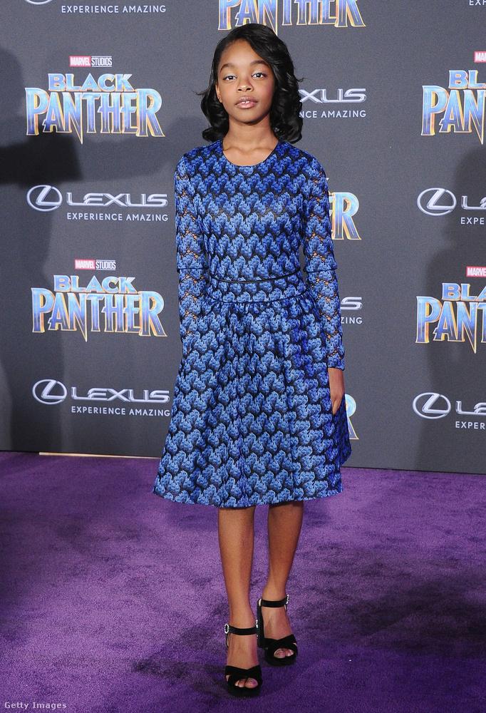 A 13 éves hollywoodi üdvöske, Marsai Martin kék ruháját a Maje készítette.