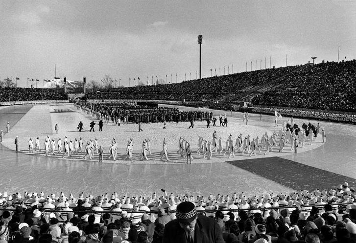 A japán delegáció a téli olimpia megnyitóján