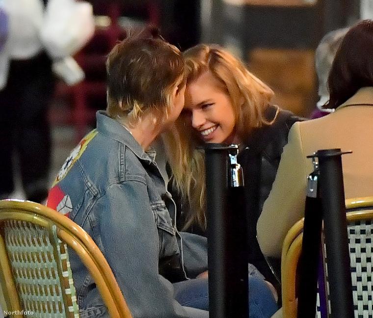 Mondjuk azt eddig is tudtuk, hogy a pár szeret nyilvános helyen puszilkodni, de ennyi ideig még sosem évődtek egymással más emberek előtt