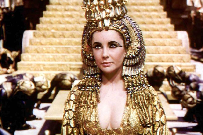 Liz Taylor Kleopátra szerepében.