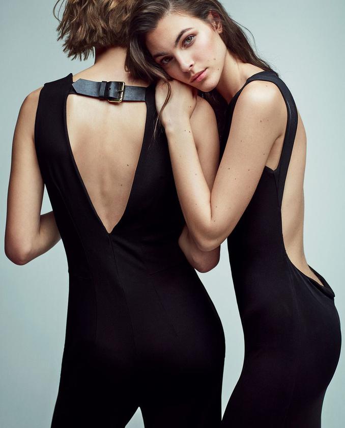 Egymáshoz dörgölőző modellek az Alberta Ferrettinél.