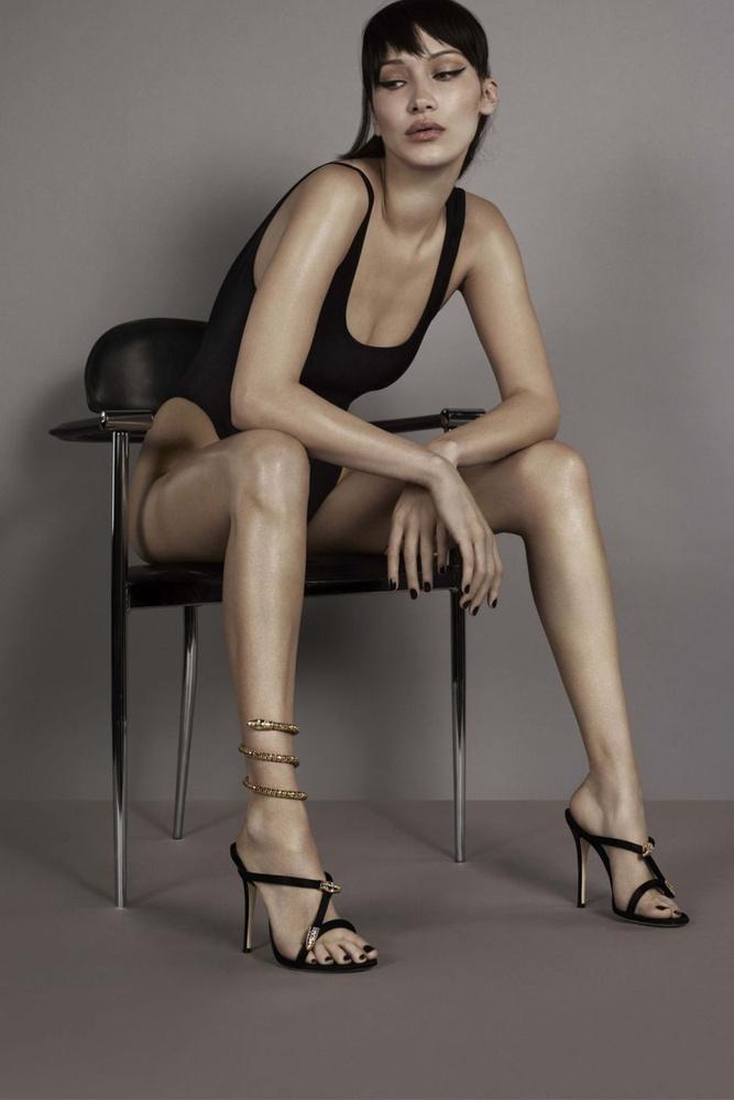 A Giuseppe Zanotti is így hirdeti új kollekcióját Bella Hadiddal.