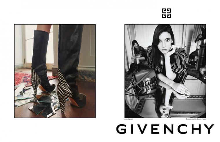 A Givenchy is fekete-fehér és színes osztott képben gondolkodott.