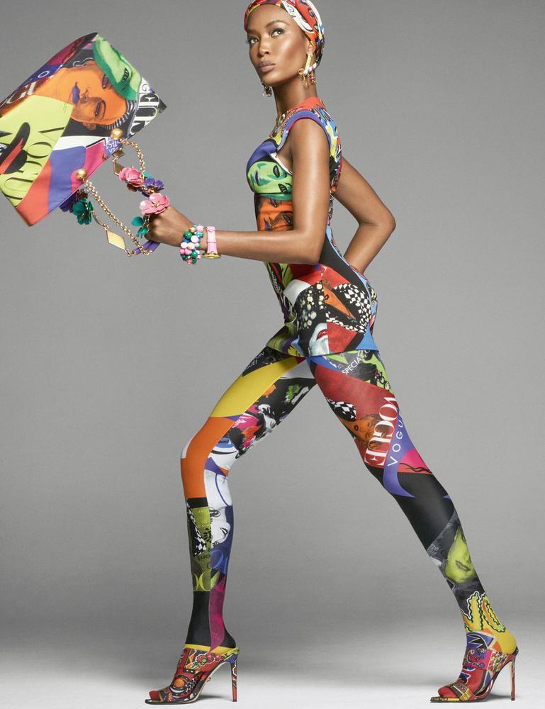 Naomi Campbell sem maradt ki a Versace reklámból.