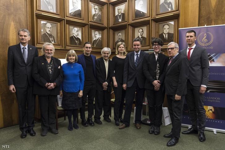 A Benkó Alapítvány és a Benkó-díj kurátorai, valamint az első díjazottak