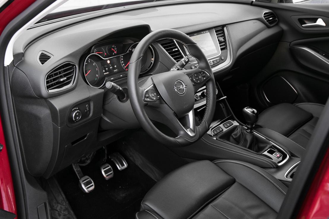 Jól reprodukálja az Opel-belsőt