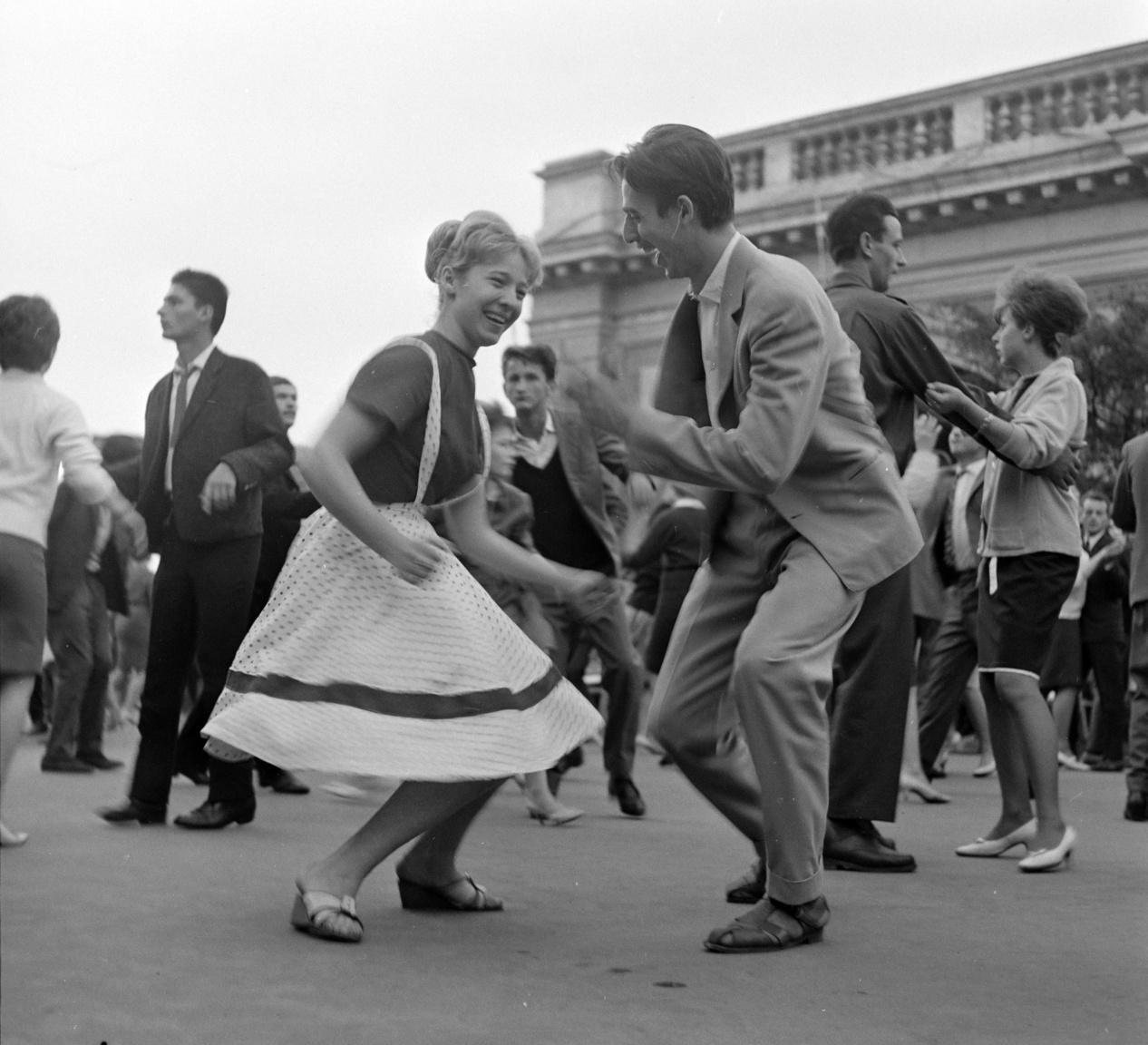Tánc 1963 nyarán.