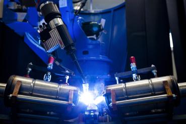 Ha nem képzett ember, akkor robot készíti a varratokat