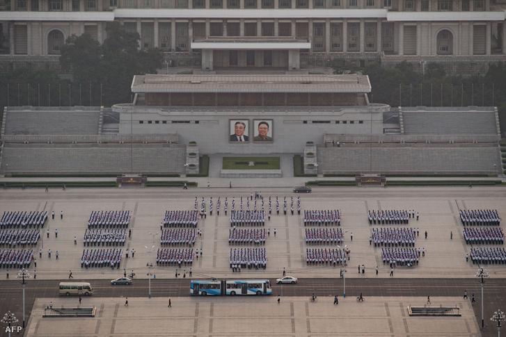 Katonai parádé előkészületei Észak-Koreában