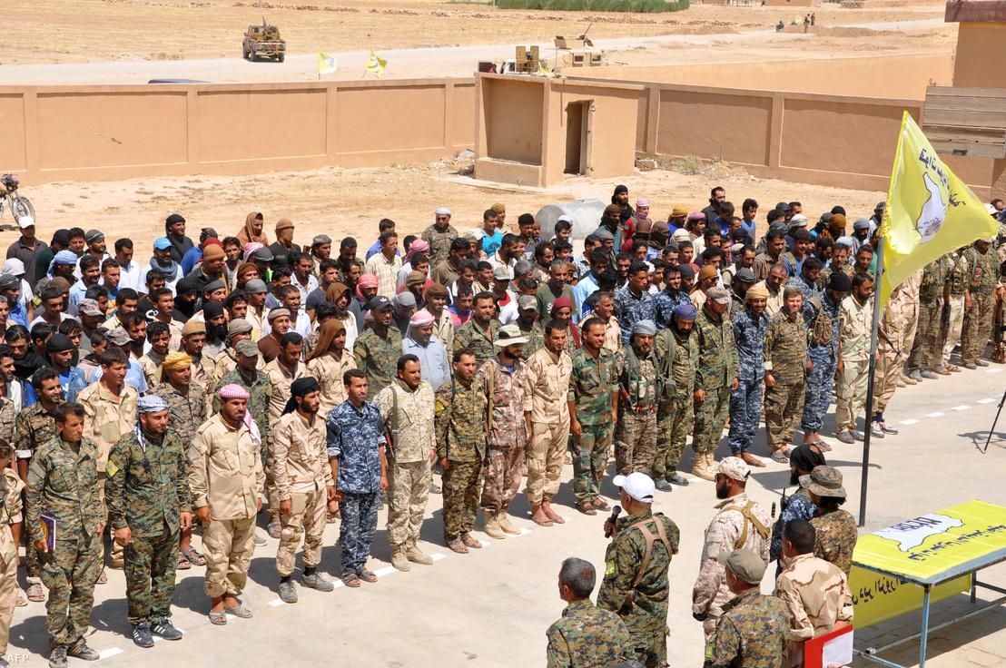 Az SDF Deir ez-Zór-i milíciája 2017 augusztusában
