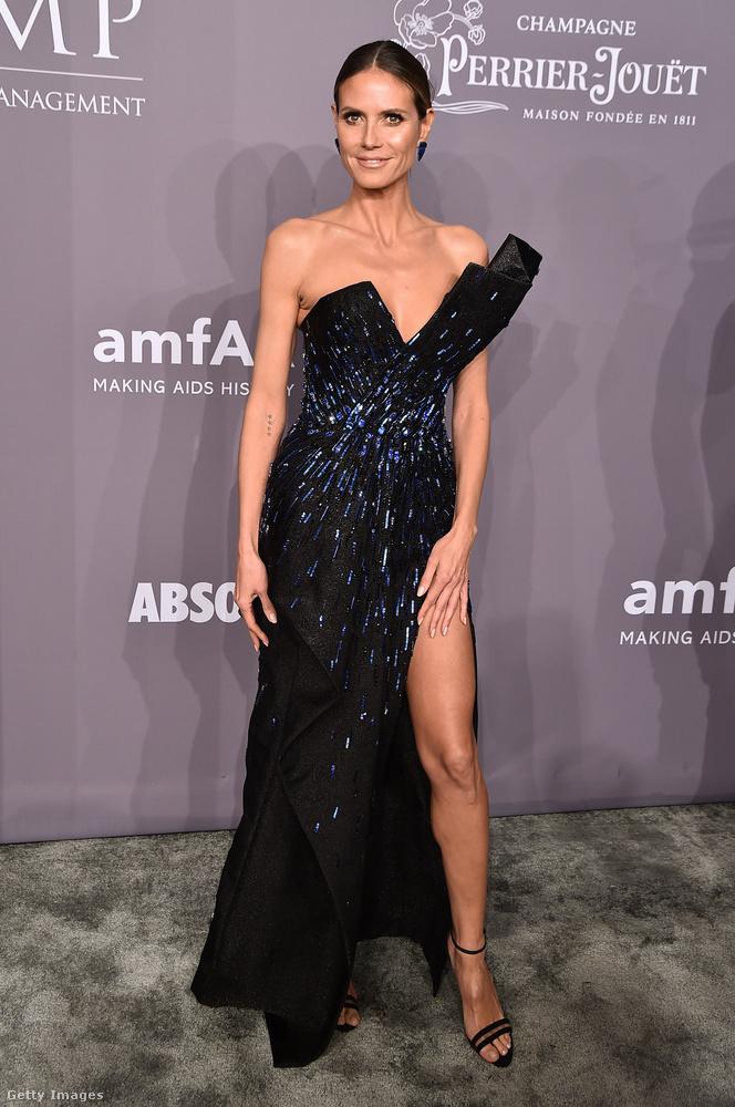 A gála egyik legszebb lábvillantós estélyiruhája Heidi Klumon