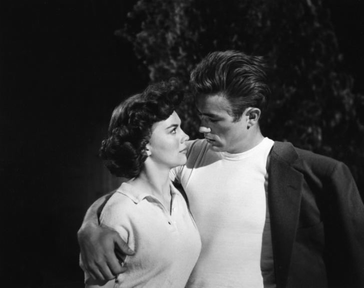 Natalie Wood és James Dean a Haragban a világgal című filmben