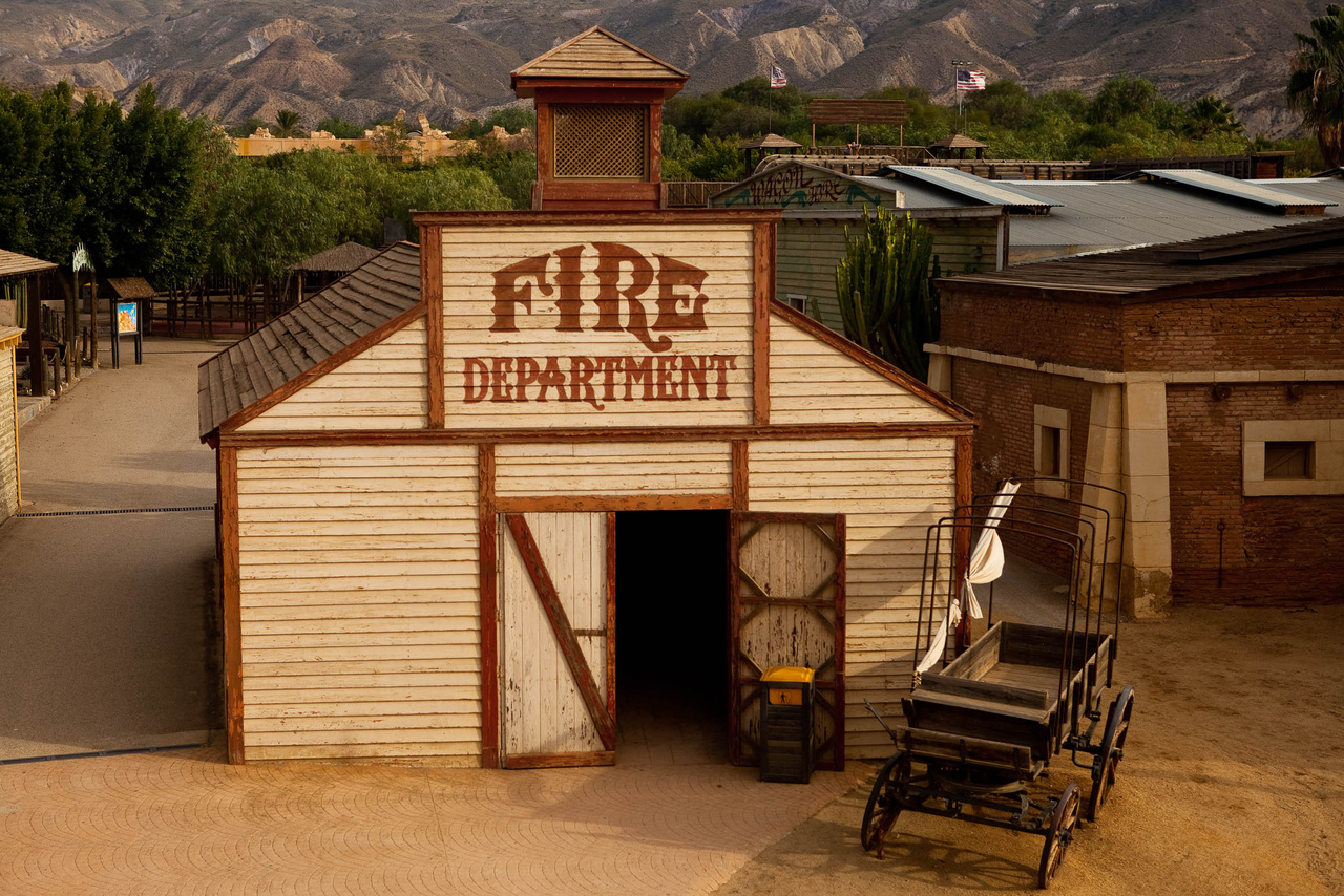 A Pár dollárral többért már említett tűzoltósága.