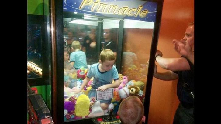 skynews-arcade-claw-machine 4226169