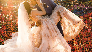 Ennél különlegesebb és kalandosabb esküvőt nehéz elképzelni
