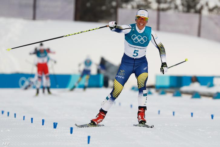 A svéd Charlotte Kalla a célbe érkezés után