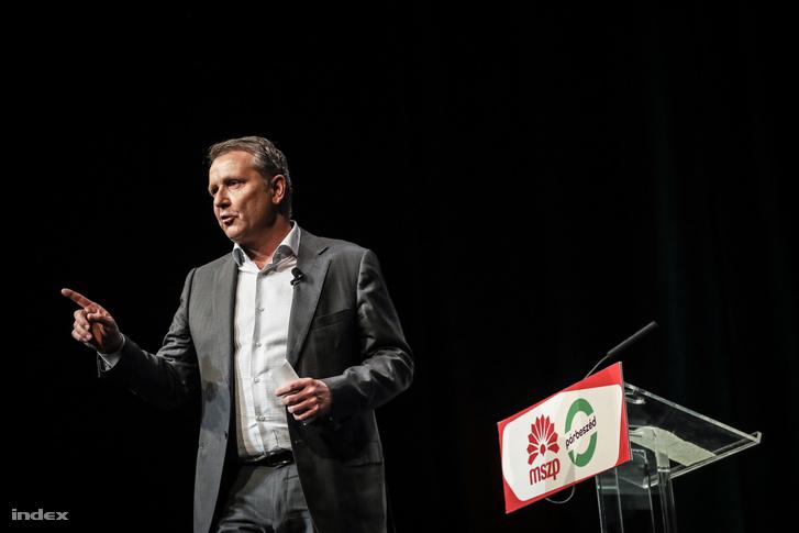 Molnár Gyula beszél a szombati MSZP-PM kampánynyitón