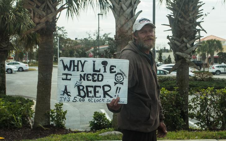 Ezen az éghajlaton a sör a menő a koldusok közt