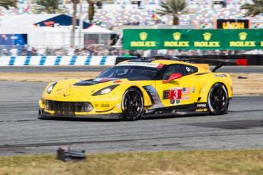 A WeatherTech-széria GT-kategóriájának tavalyi bajnok párosának, Jan Magnussennek és Antonio Garciának Corvette-je. Ezúttal nem bírtak a Fordokkal, de a kategória harmadik hely meglett nekik