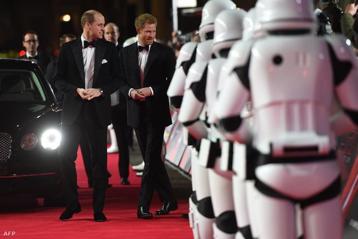 Vilmos és Harry herceg a film bemutatóján