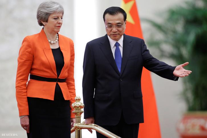 Theresa May és Li Ko-csiang Pekingben