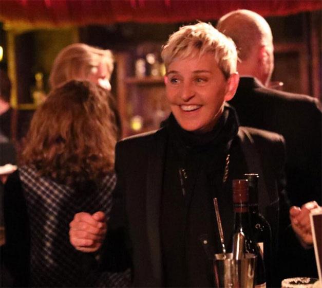 Hihetetlen, hogy Ellen DeGeneres hatvanéves. Ő sem gondolta túl a megjelenését a szülinapján.