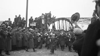 1938-ban egy illiberális rugóra járt a cseh és a magyar kormányfő agya