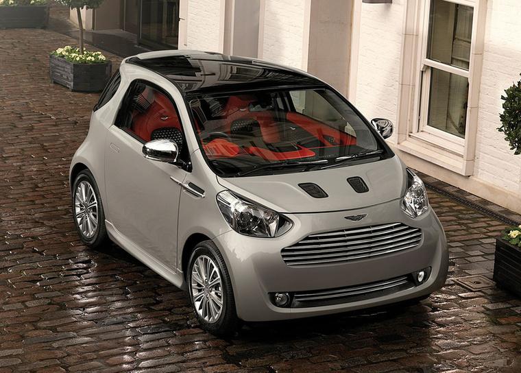 Aston Martin Cygnet – A világnak nem kell tízmilliós luxus miniautó – írtuk négy éve, a Cygnet megszűnésének hírére, és azóta sem igazolta az idő az ellenkezőjét