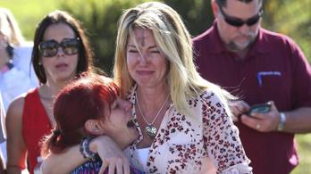 Tizenheten meghaltak egy floridai iskolai lövöldözésben