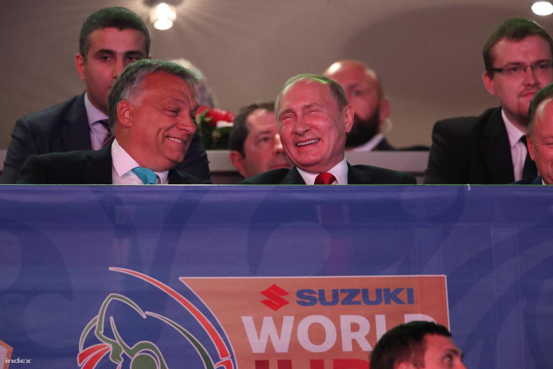 Vlagyimir Putyin és Orbán Viktor miniszterelnök a budapesti cselgáncs-világbajnokságon a Papp László Budapest Sportarénában 2017. augusztus 28-án