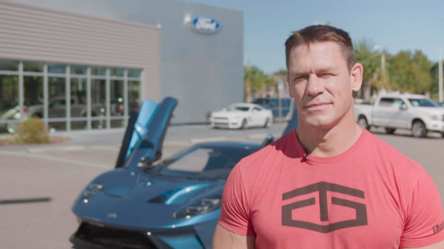 john-cena-with-the-2017-ford-gt 100635251 m