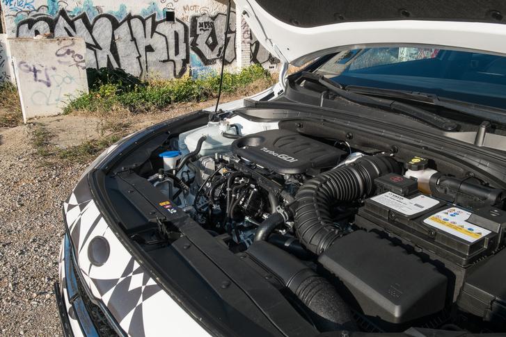 Itt az egyliteres, turbós motor