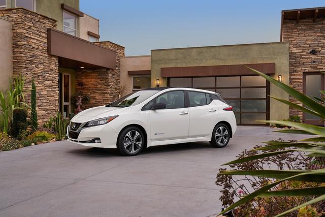 A Nissan Leaf második generációja pontosan azt a hatótávot ígéri, amire a magyarok a kutatás szerint vágynak