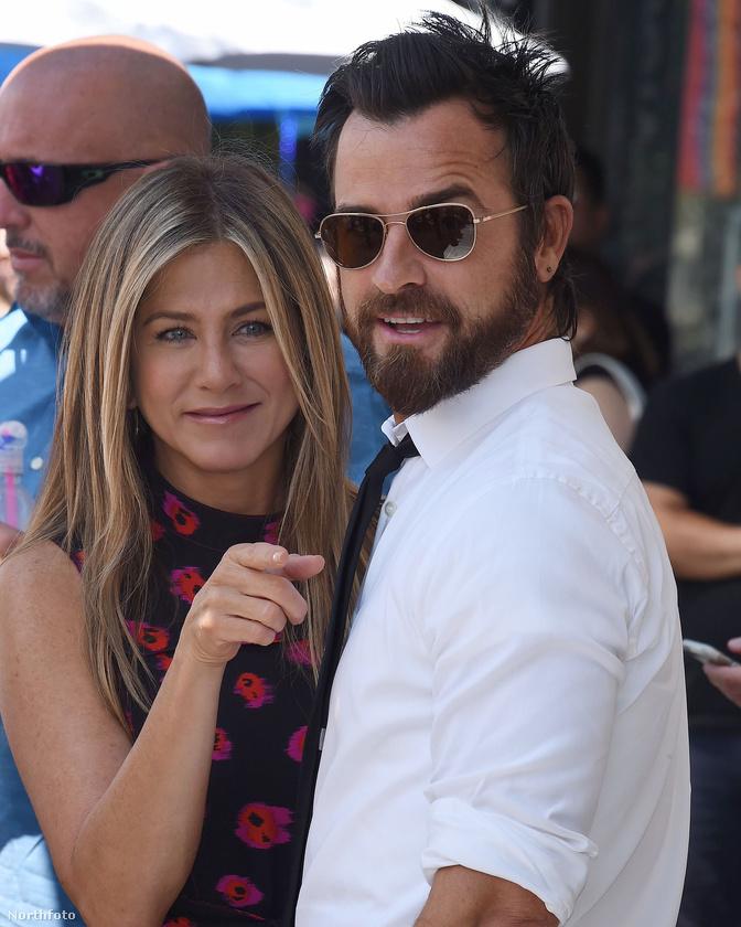 ha Brad Pitt után is talpra tudott állni, akkor Justin Theroux után is, pláne, hogy szeretetben és barátságban intettek búcsút egymásnak.